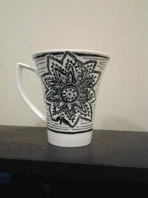 DIY-mug-art-doodle-art-motif-black-white-patterns